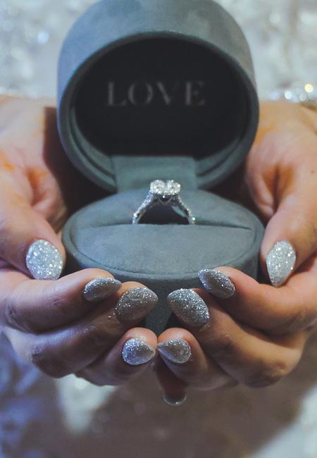Real wedding adarshna aurmen wedding ring ferndara creative